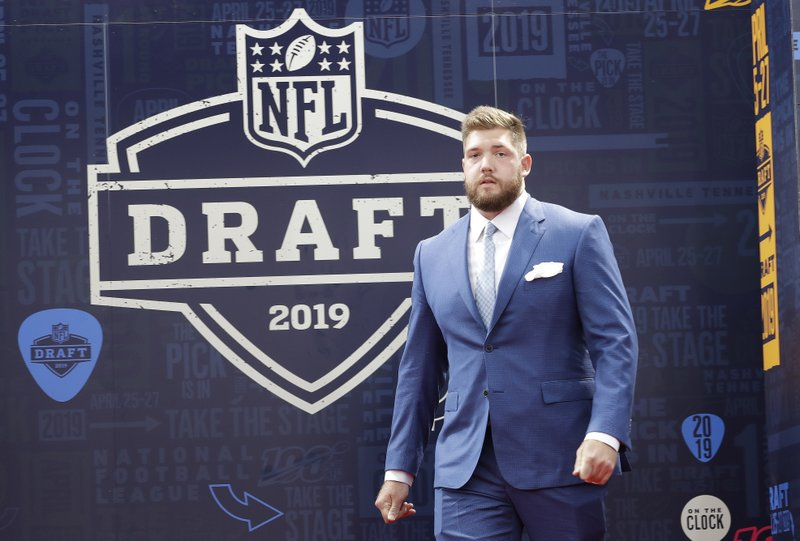 cf8dd6bd No QB this time: Bengals take tackle Williams in 1st round