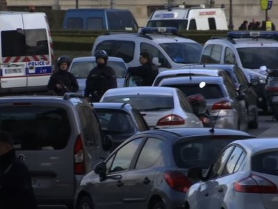 Man Shot After Attacking Soldiers Outside Louvre