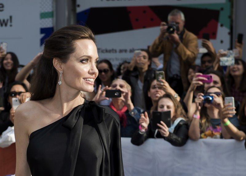 Angelina Jolie, Rithy Panh, Loung Ung, Sreymoch Sareum, Kimhak Mun