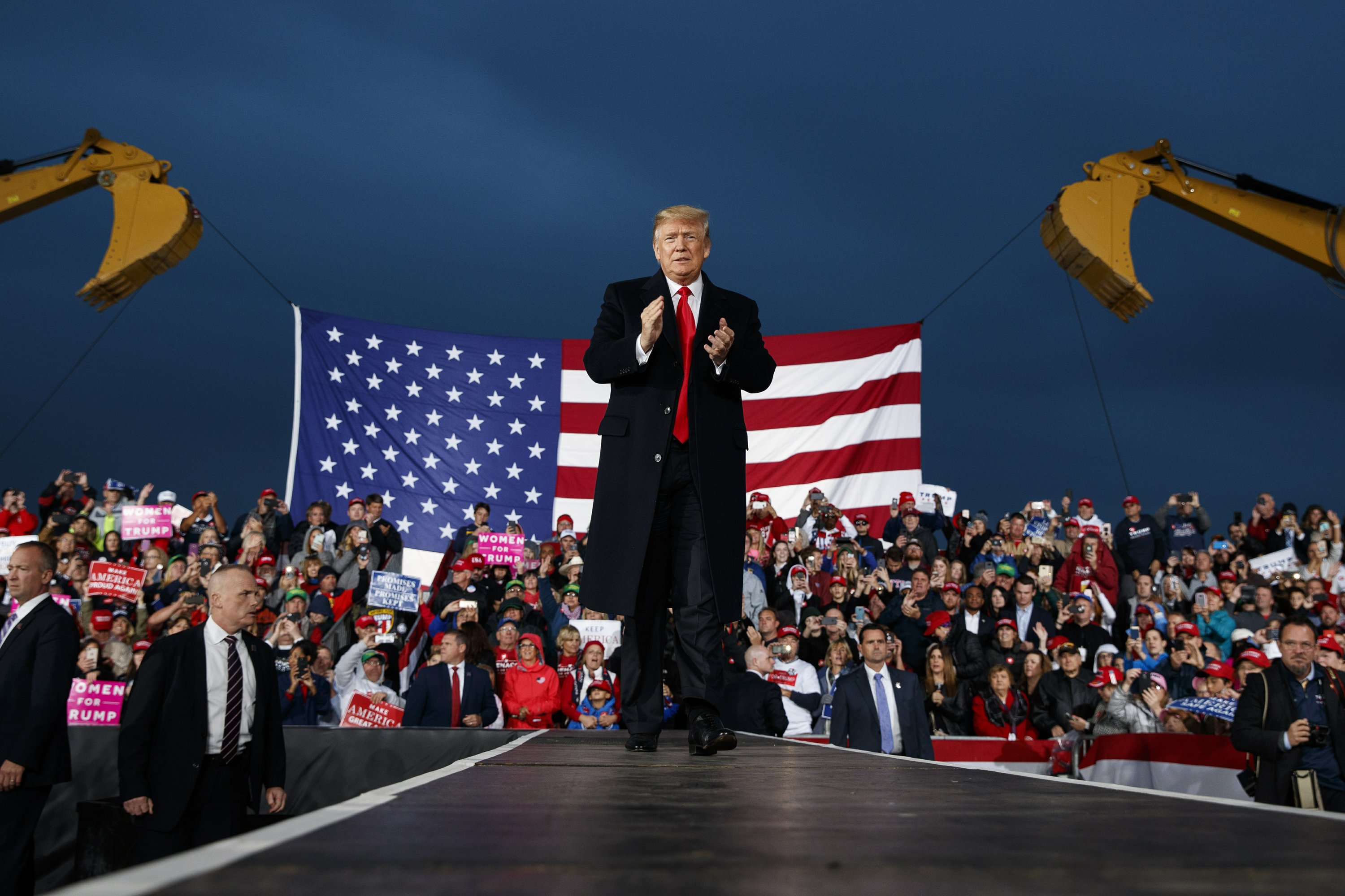 Trump urges Ohio supporters to vote GOP in November midterms