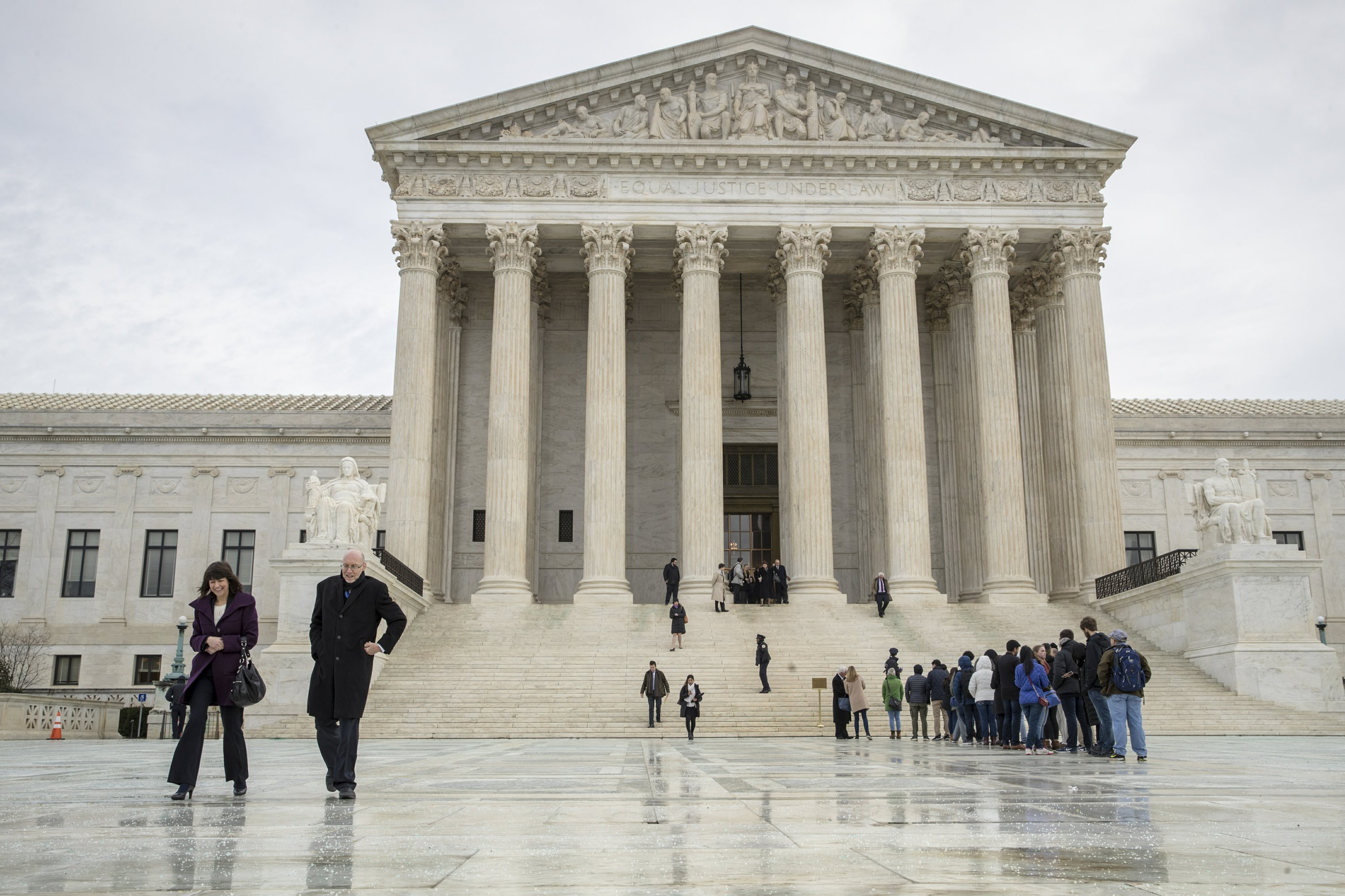 Supreme Court takes the wheel in 2 cases of vehicle searches