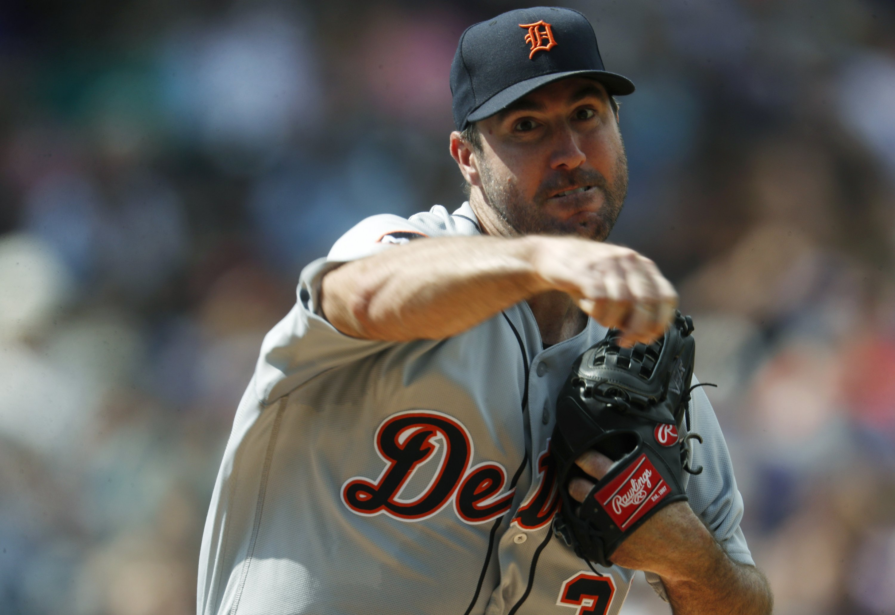 Astros boost rotation with trade for Verlander