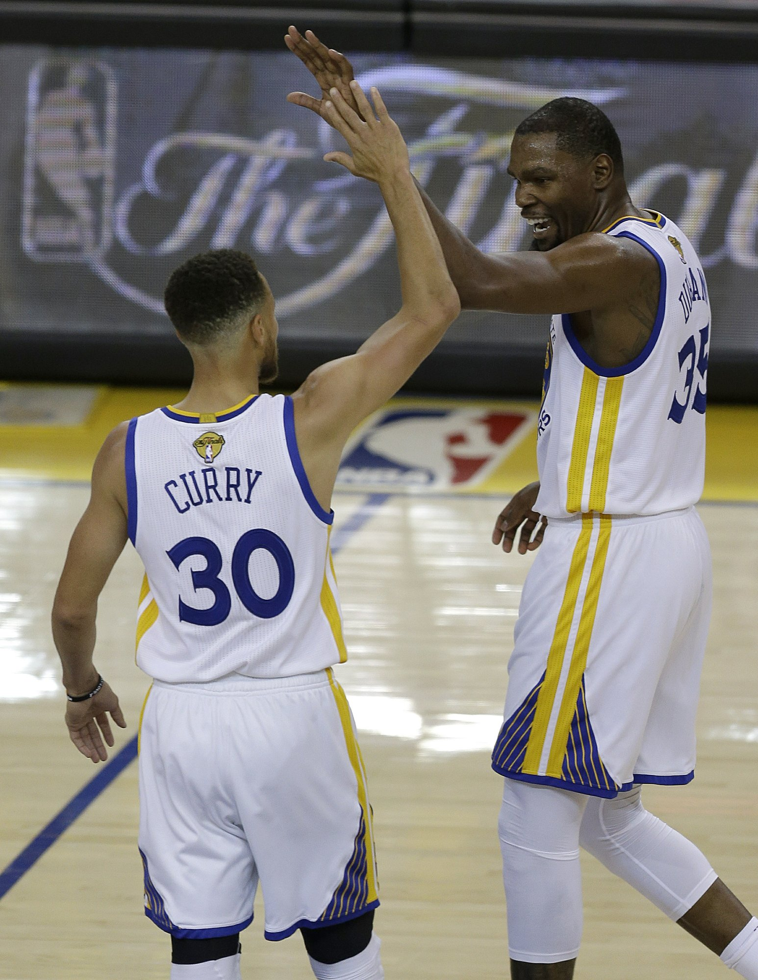 7268e2a58 The Latest  Warriors roll to 113-91 win vs. Cavs in Game 1