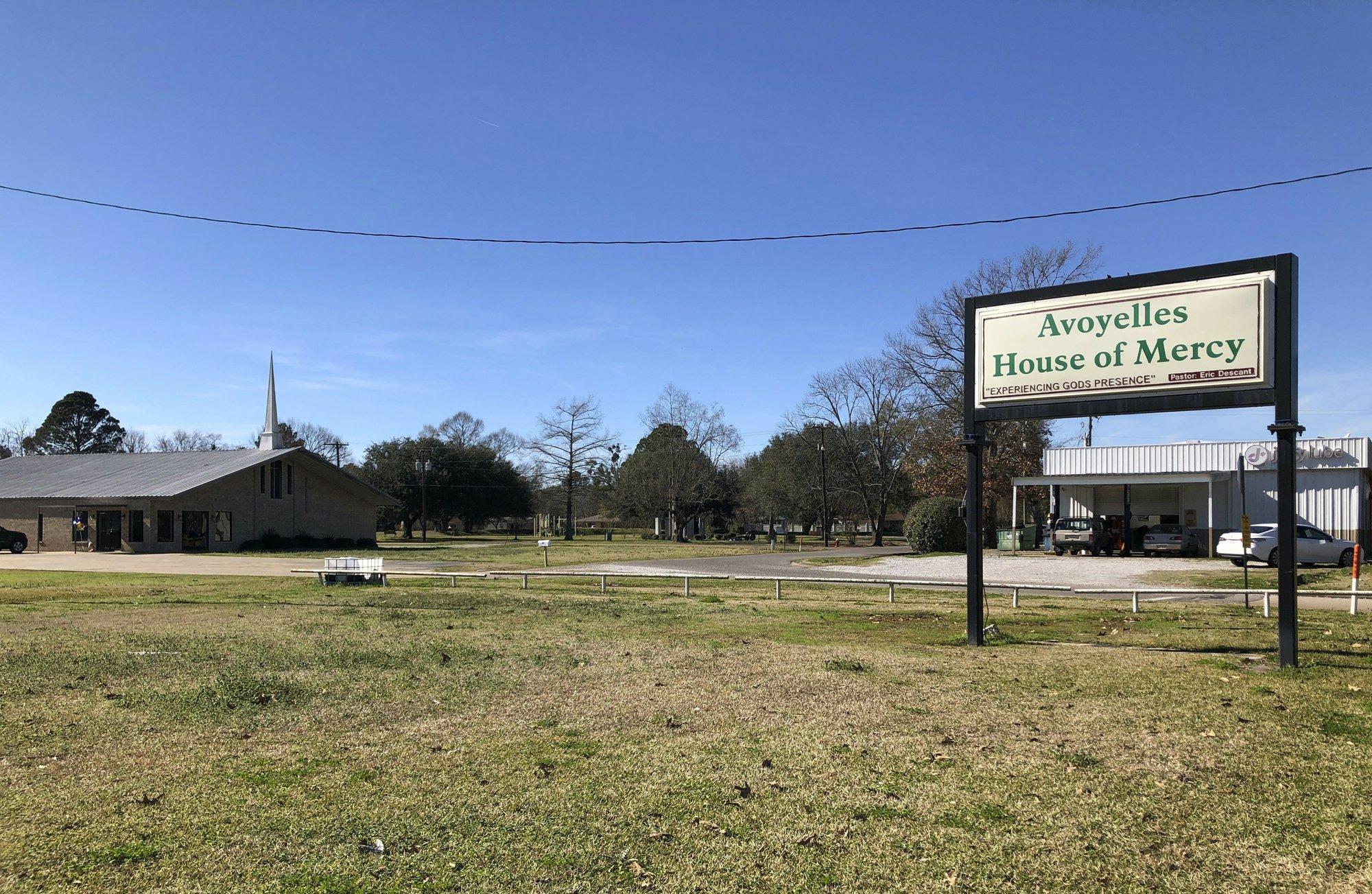 Louisiana town reels from loss of 5 children in fiery crash