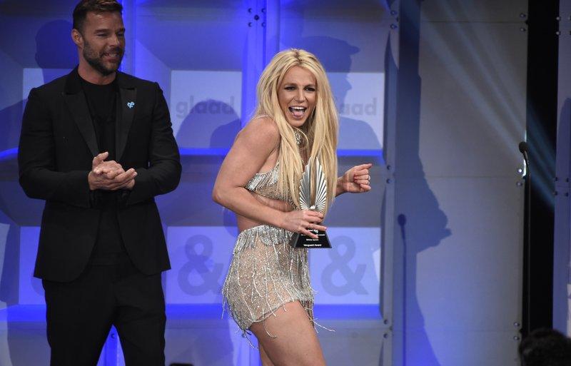 Britney Spears, Ricky Martin