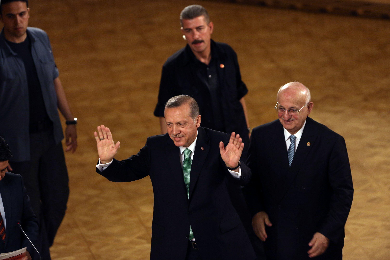 الحكومة التركية تغلق 2250 مؤسسة في حملة ما بعد الانقلاب