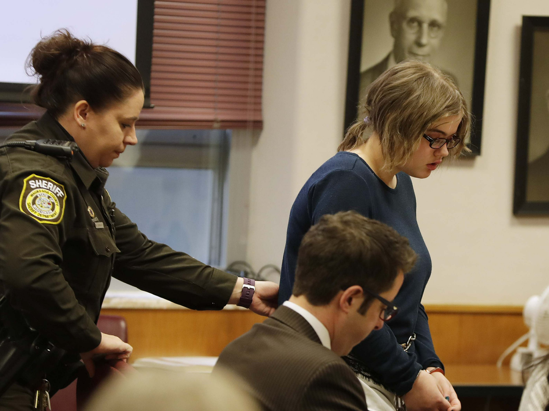 Girl in Slender Man stabbing gets maximum mental commitment