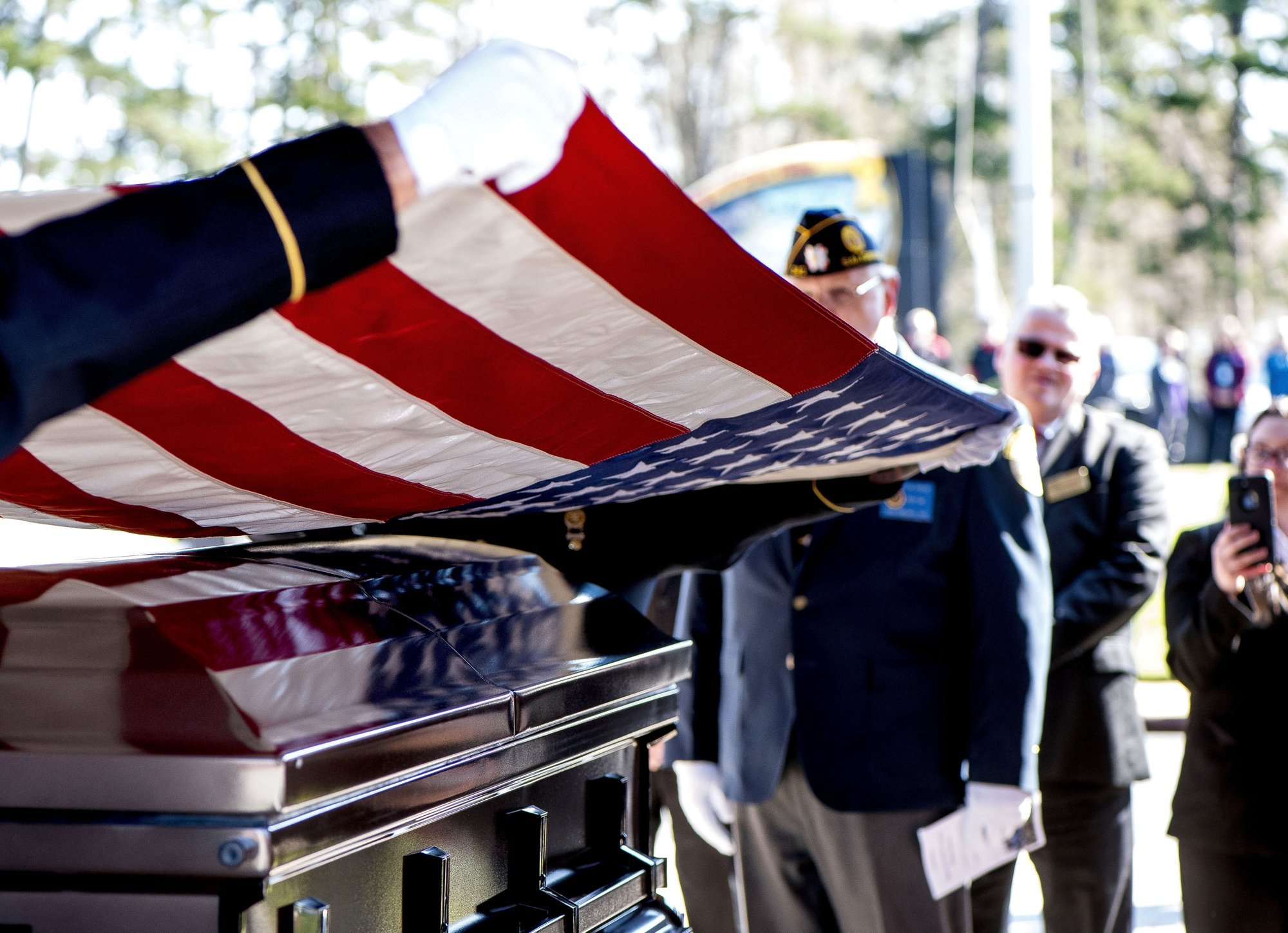 US Army medic Phillip Kenneth Drye, a veteran of the Vietnam War, was buried at the Salisbury National Cemetery on Wednesday morning with full military honors. Drye passed away on December 24 of 2018 but had no relatives to claim the body and pay for his