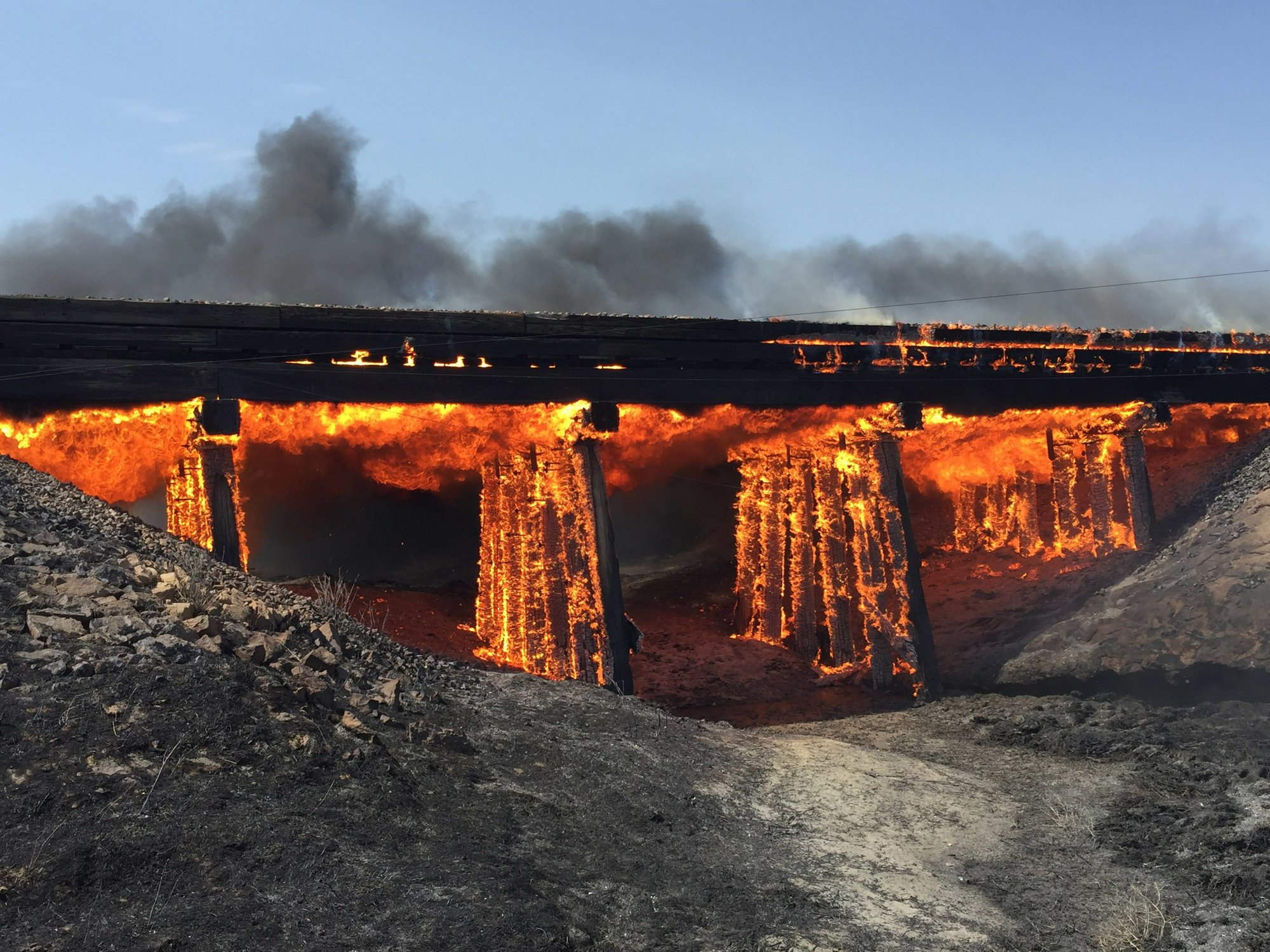 Western wildfires still rage, but some progress being made