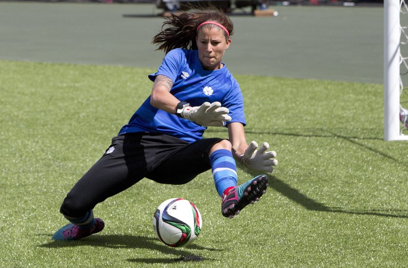 goalkeeper Stephanie Labbe