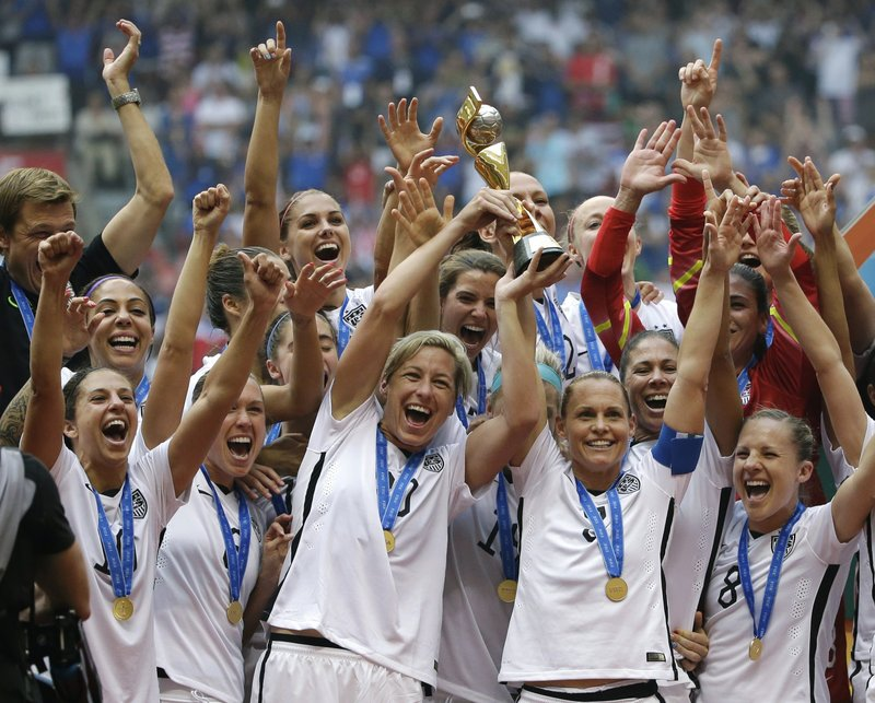 812ef7f9fd9 Goal reached  US women s soccer team gets new contract