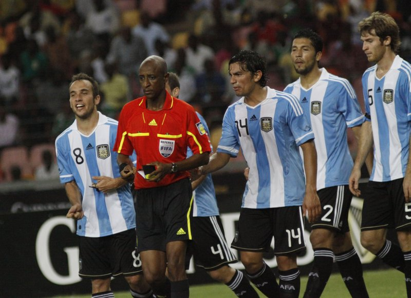 4bf71800b FIFA bans former referee for life for bribery
