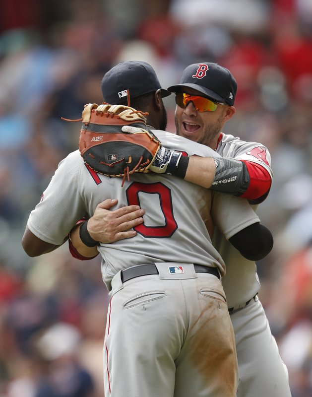 Steve Pearce, Brandon Phillips