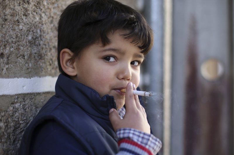 Unduh 550 Gambar Lucu Anak Merokok Paling Lucu