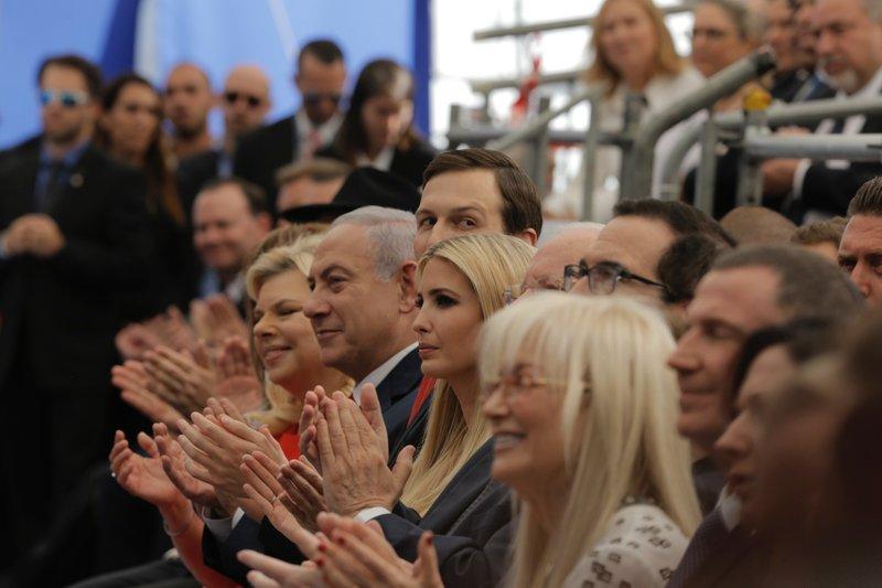 Benjamin Netanyahu, Sara Netanyahu, Jared Kushner, Ivanka Trump, teve Mnuchin