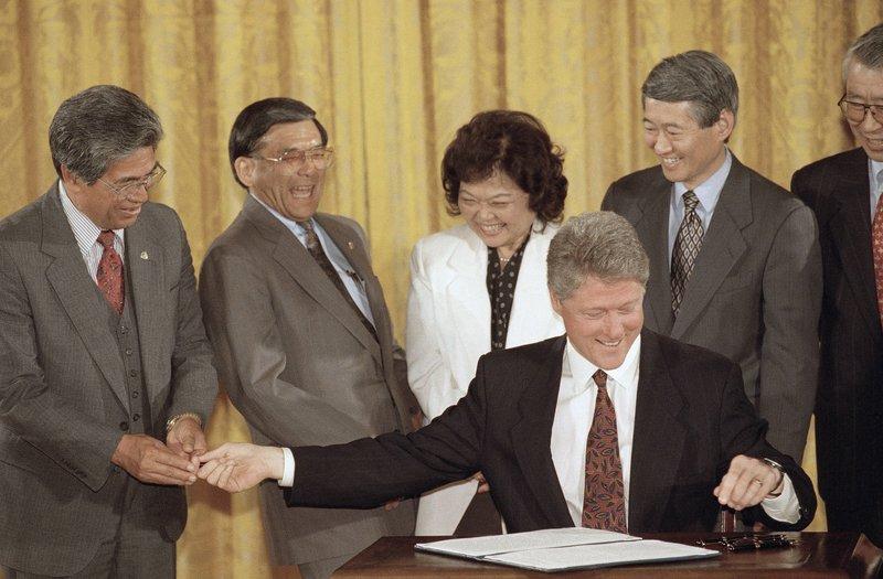 Daniel Akaka, Norman Mineta, Patsy Mink, Robert Matsui, Bill Clinton