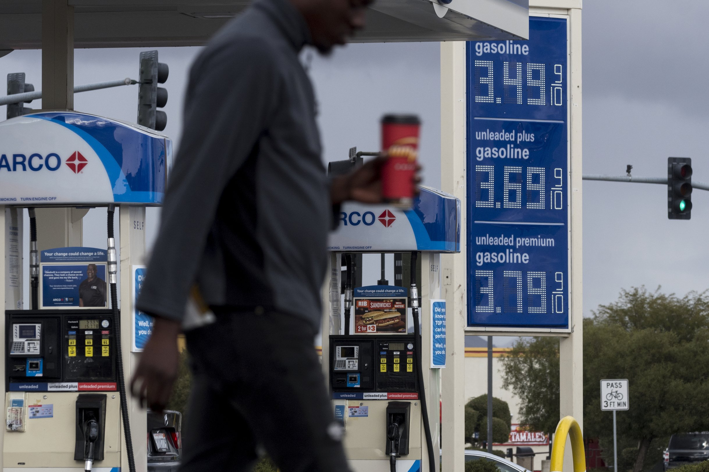 Arco Gas Prices >> Average Us Price Of Gas Jumps A Penny Per Gallon To 2 34