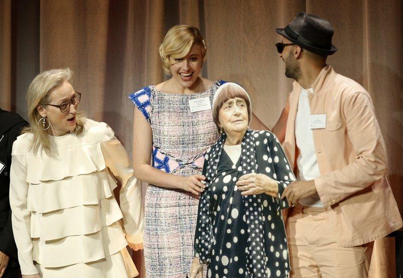 Meryl Streep, Greta Gerwig, JR