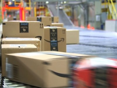 Amazon: How They Manage Busy Holiday Season