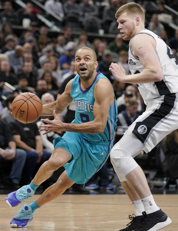 promo code 99817 0ef30 Parker has triumphant return as Hornets down Spurs, 108-93