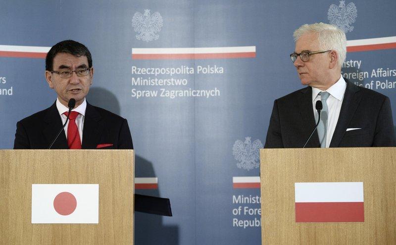Taro Kono, Jacek Czaputowicz