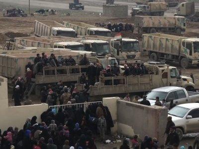 Raw: Thousands Flee Iraqi City Of Mosul