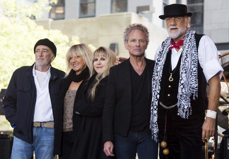 Christine McVie, Mick Fleetwood, John McVie, Stevie Nicks, Lindsey Buckingham