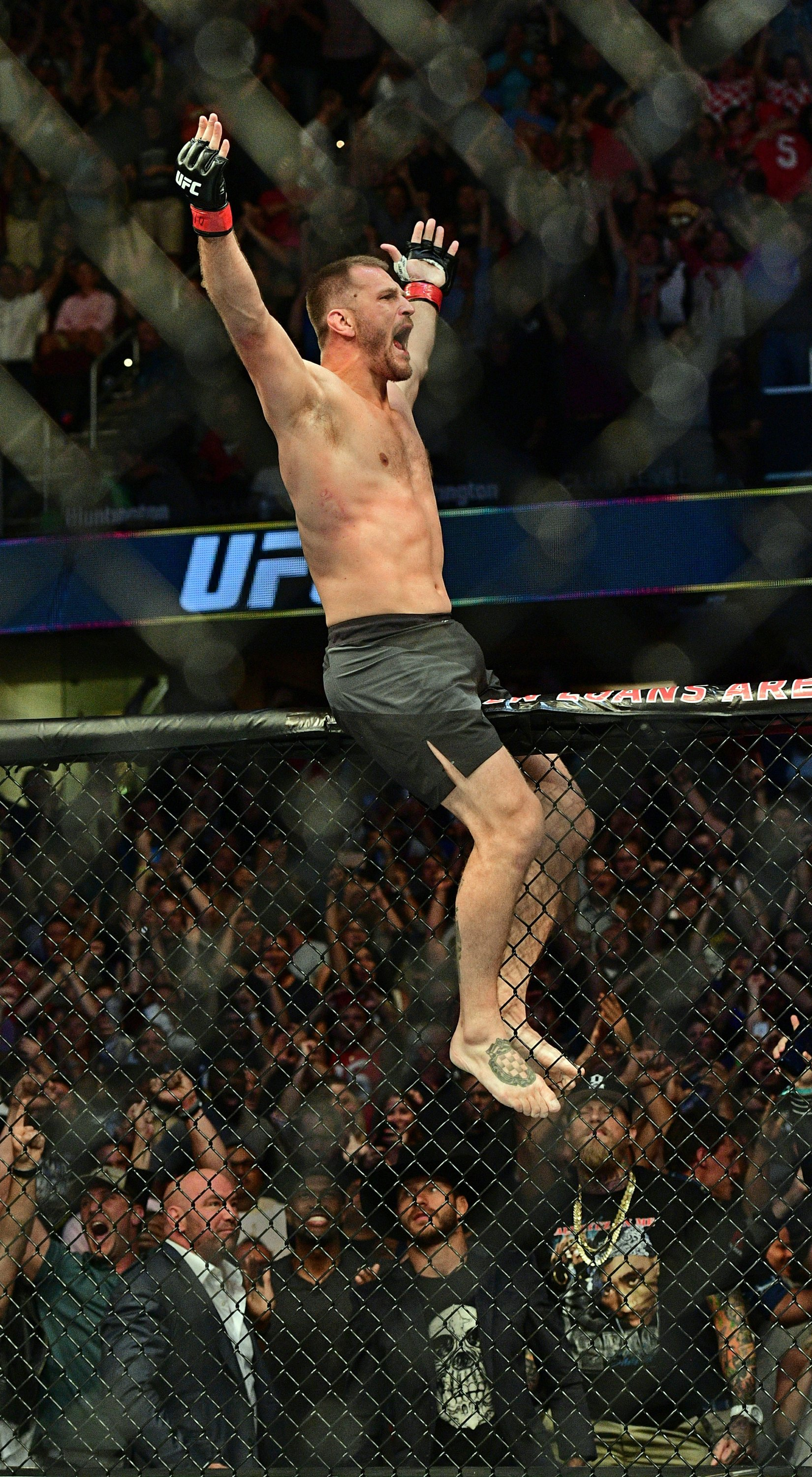 UFC champion Miocic keeps title with stunning home knockout