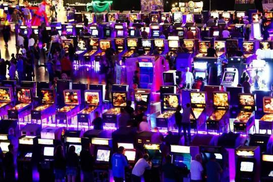ReplayFX brings giant pinball, video game arcade to Pittsburgh