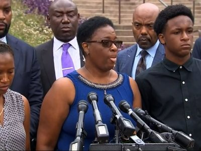 Mother of man killed by Dallas cop seeks answers