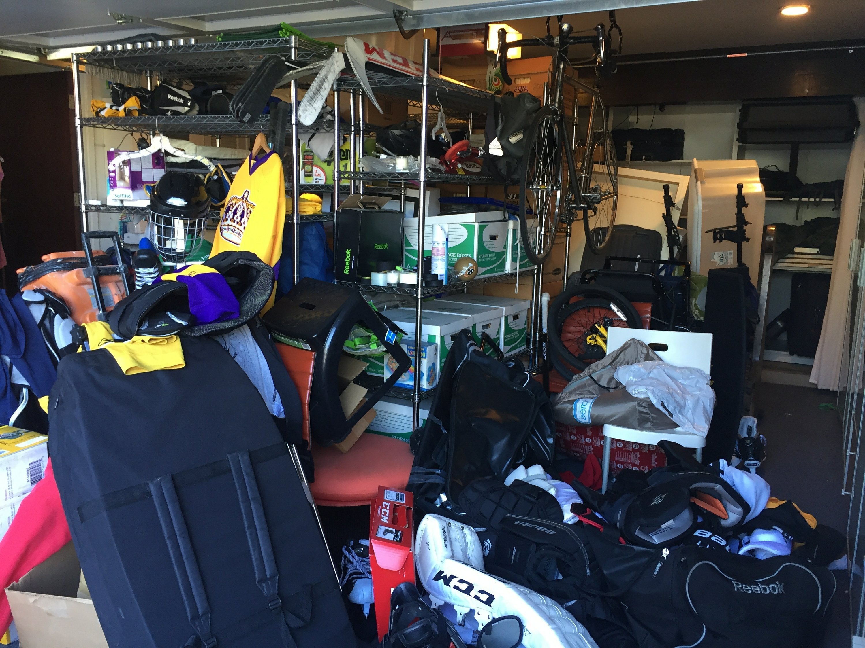 Garage a mess tips for tackling a daunting job