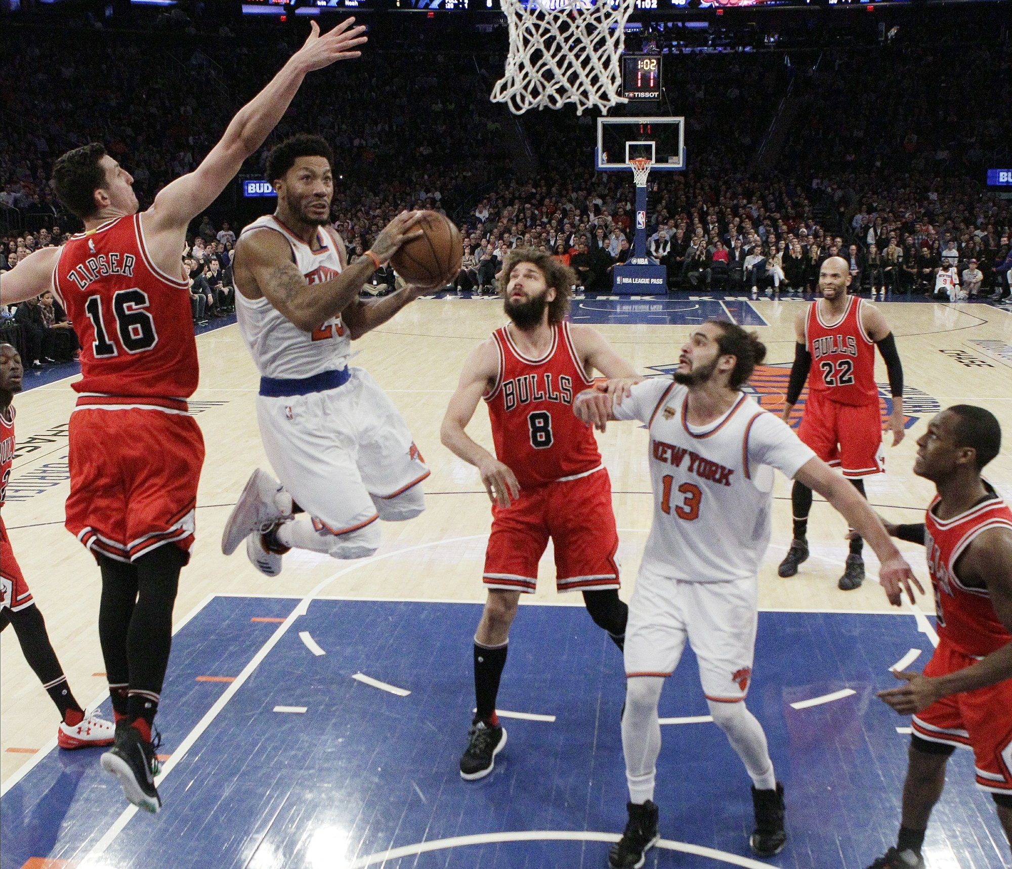 7346f7b979e8 Knicks beat Bulls with big games from Anthony