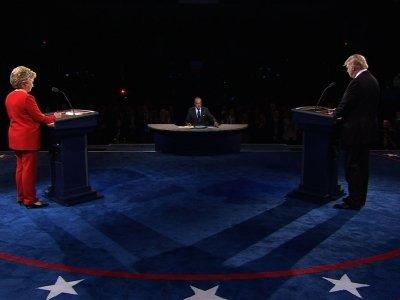 Clinton, Trump Kick off Debate Clashing on Jobs