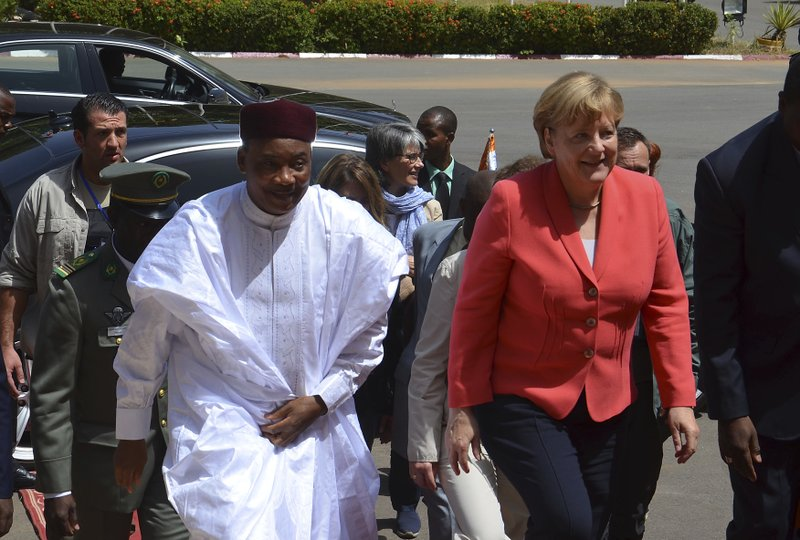 Mahamadou Issoufou, Angela Merkel