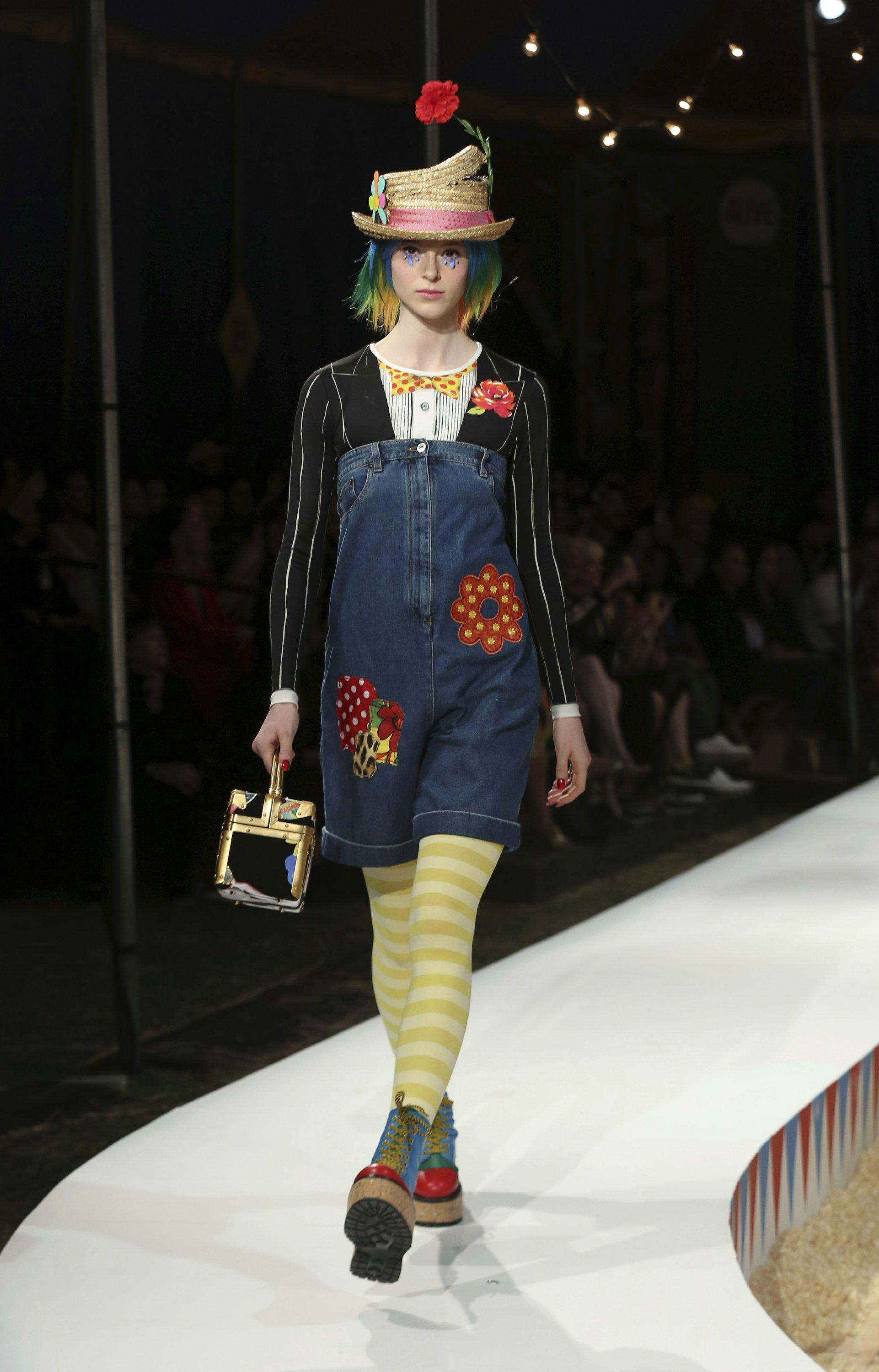 Moschino hosts a big top bash for circus-themed resort show aca34179905a