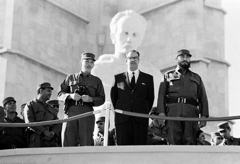 Fidel Castro, Raul Castro, Osvaldo Dorticos