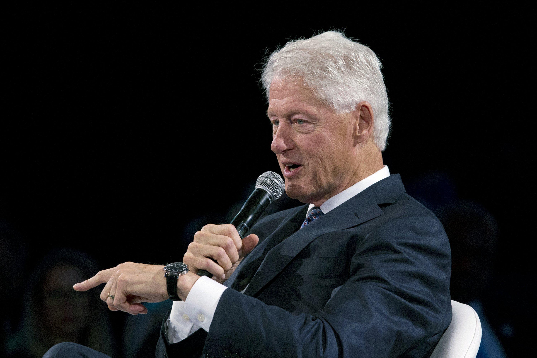 Bill Clinton has 2020 advice, but few candidates seeking it