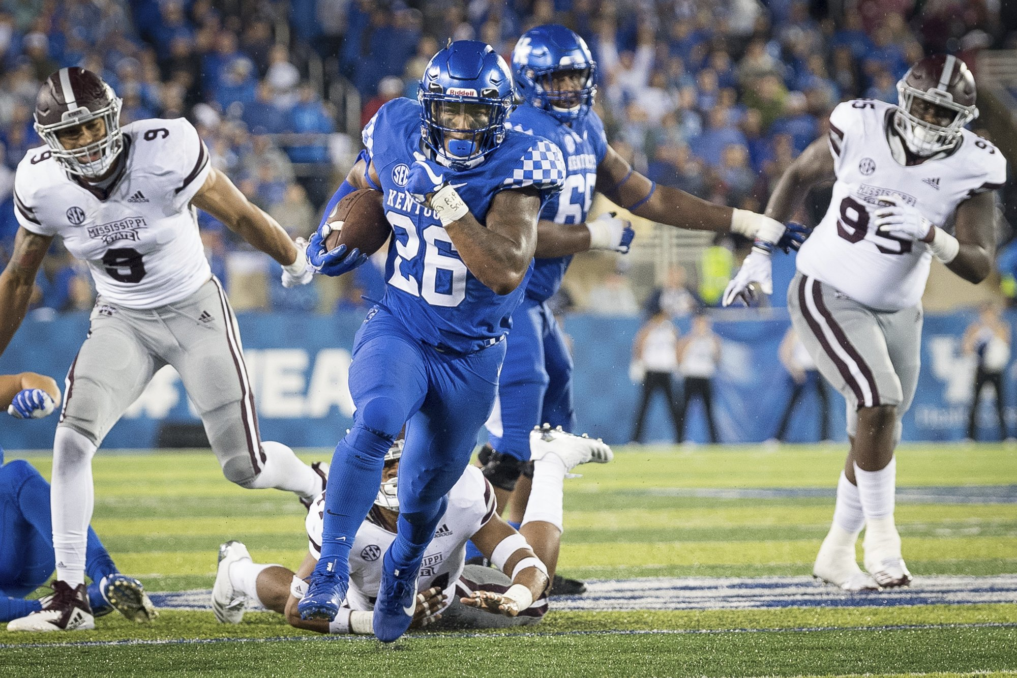 Snell leads Kentucky past No. 14 Mississippi State 28-7 84e1dda89