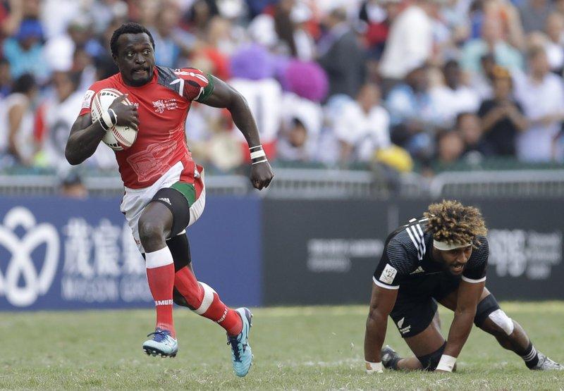 Collins Injera, Luke Masirewa