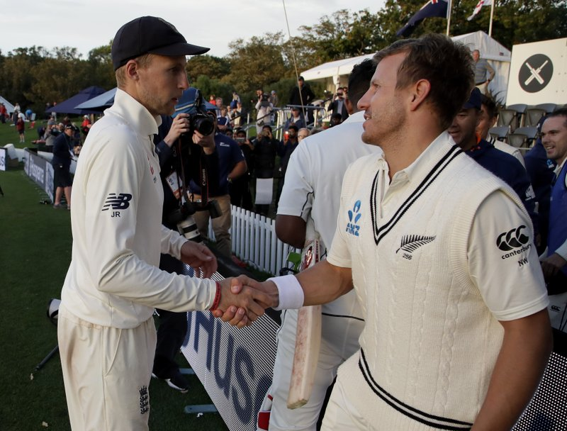 Joe Root, Neil Wagner