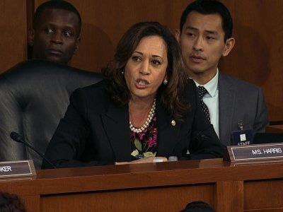 Democrats call for delay in Kavanaugh hearings