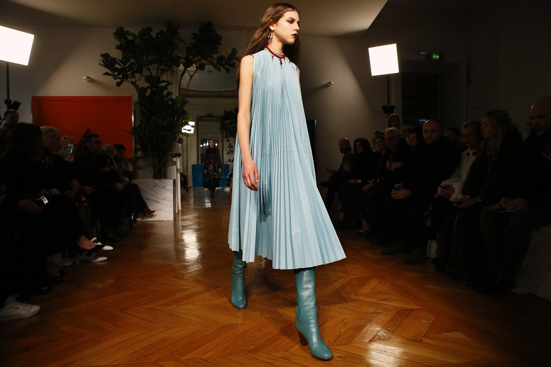 Buy Paris celebrity posts caused stir weekend picture trends