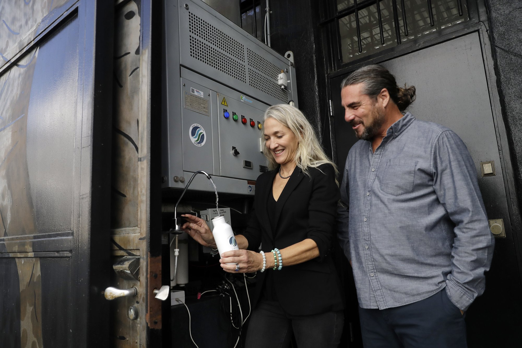 Water out of thin air: California couple's device wins $1.5M