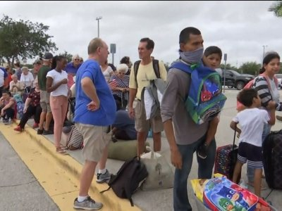 Shelters Filling Up In Florida