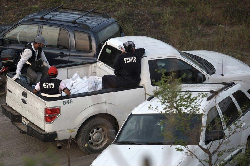 """Képtalálat a következőre: """"300 Skulls Found in Mexican Cartel Mass Graves"""""""