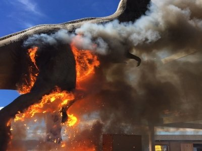Raw: Dinosaur Theme Park T-Rex Goes Up In Smoke