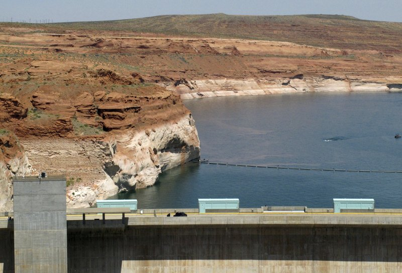 Lake Powell, Glen Canyon Dam