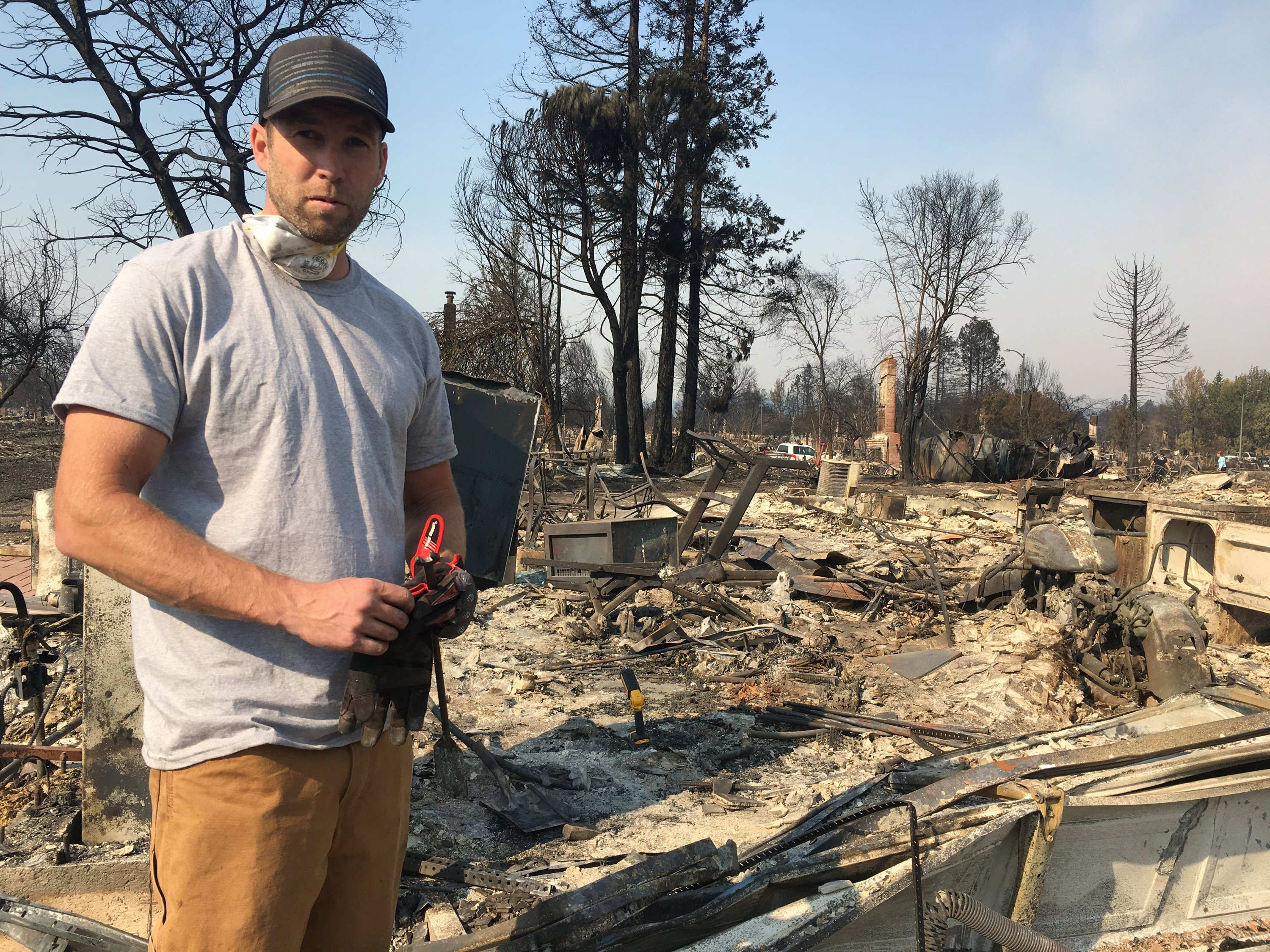 Fire survivor regrets not pulling neighbors from their home