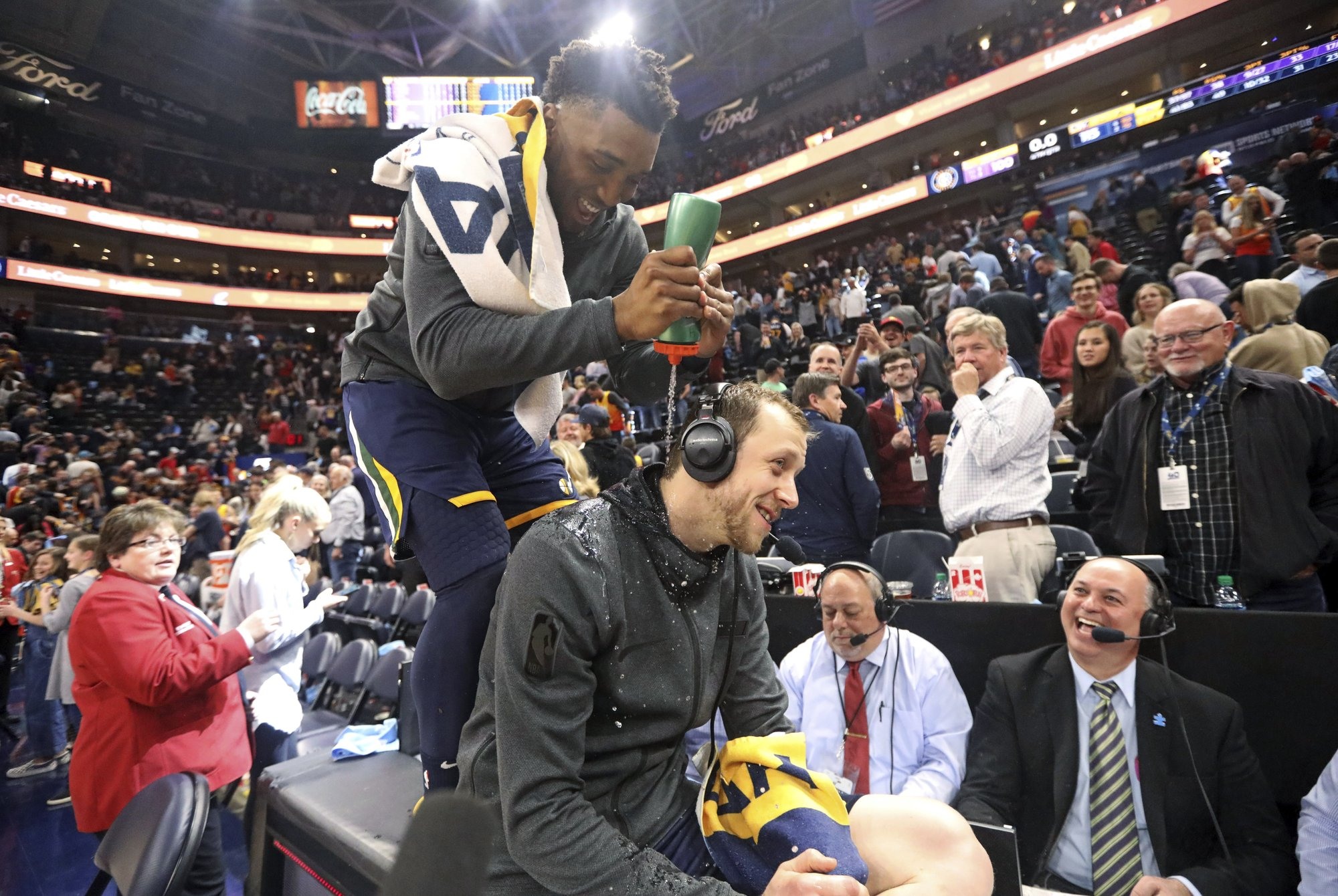 3766703c7b5 Emotional night for Ingles as Jazz blow out depleted Lakers