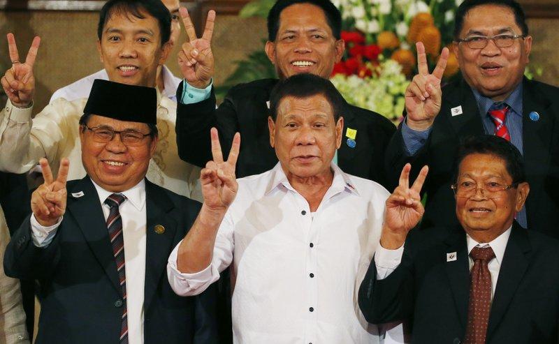 Rodrigo Duterte, Al-Hajj Murad, Ghazali Jaafar